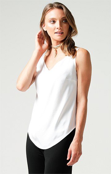 SLEEVELESS LOOSE FIT SCOOP NECK SHELL TOP IN IVORY