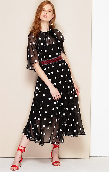 SOPRANO SLEEVELESS LOOSE-FIT A-LINE DRESS & DETACHABLE CAPE IN BLACK WHITE SPOT