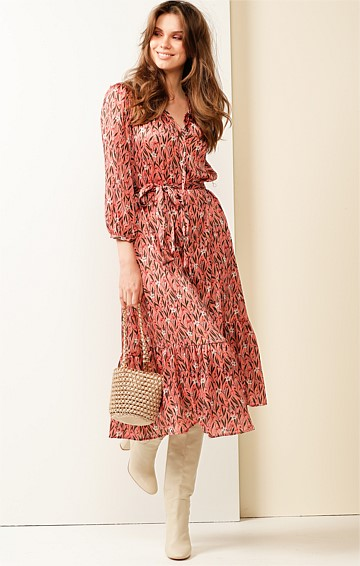 PRAIRIE 3/4 SLEEVE LOOSE-FIT HIGH-NECK TIE DRESS IN PINK FOLK FLORAL PRINT