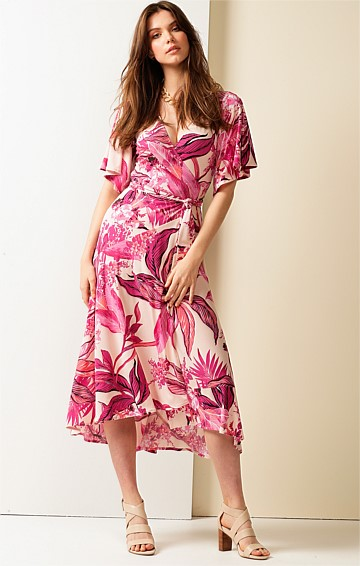 ASTAIRE STRETCH JERSEY FLUTE SLEEVE V-NECK A-LINE WRAP MIDI DRESS IN PINK MULTI LEAF PRINT