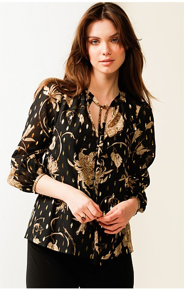 BREAKFAST CREEK 3/4 SLEEVE LOOSE FIT HIGH-NECK TIE TOP BLOUSE IN BLACK GOLD LEAF PRINT