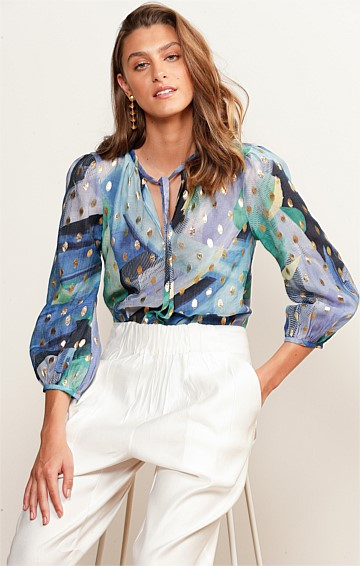 HEATHER 3/4 SLEEVE LOOSE FIT HIGH-NECK TIE TOP BLOUSE IN BLUE SEA GOLD LEAF PRINT
