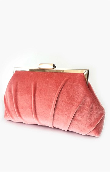 PLEATED VELVET FRAME CLUTCH WITH STRAP IN CORAL