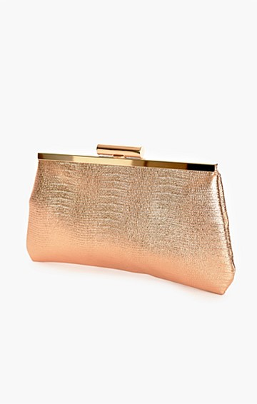 CLIP TOP METALLIC FRAME CLUTCH WITH STRAP IN ROSE GOLD