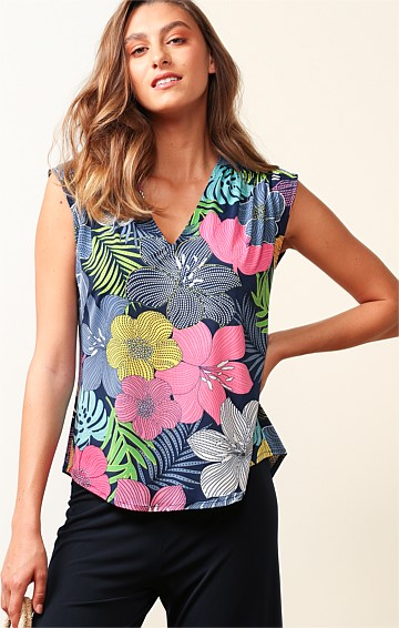 MAGNETIC ISLAND STRETCH JERSEY LOOSE-FIT CAP SLEEVE V-NECK TOP IN BOLD FLORAL NAVY PINK PRINT