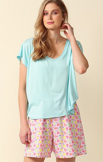 CHILL LOOSE-FIT CAP SLEEVE V-NECK TEE IN AQUA