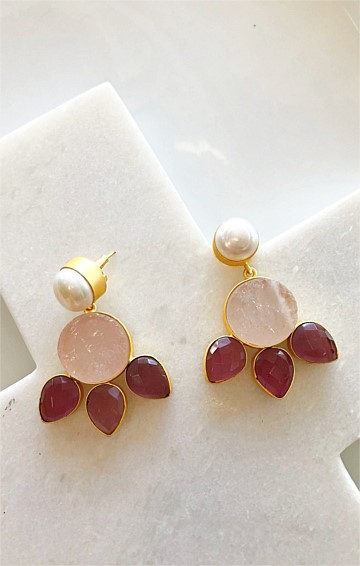 GENEVEVE DROP EARRING IN PINK RED