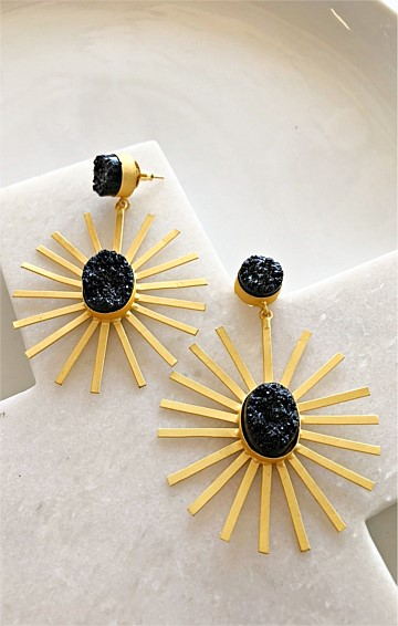 CLEOPATRA DROP EARRING IN BLACK