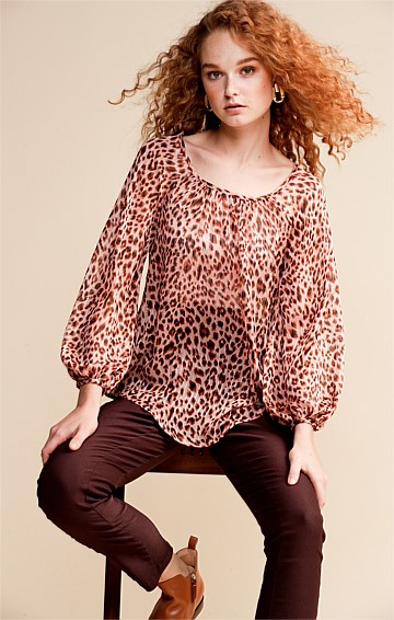 BEAULIEU LOOSE-FIT LONG BISHOP SLEEVE BLOUSE IN PEACH LEOPARD