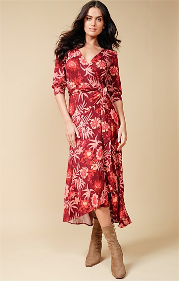 FABIENNE STRETCH JERSEY 3/4 SLEEVE V-NECK WRAP A-LINE MIDI DRESS IN RUST APRICOT PRINT