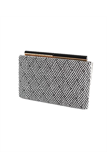 WEAVE RECTANGLE STRUCTURED CLUTCH IN WHITE BLACK