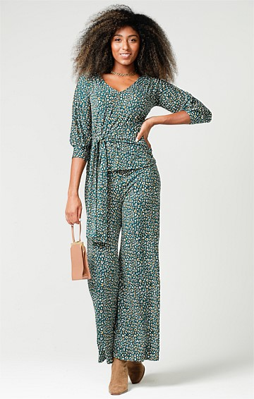 SEAMLESS STRETCH JERSEY WIDE LEG PANT IN TEAL GOLD LEOPARD PRINT